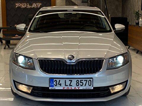 Skoda Octavia Hatchback 1.6 Tdi Elegance Dsg