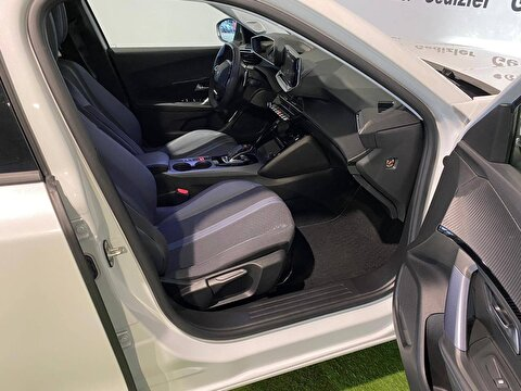 2020 Benzin Otomatik Peugeot 2008 Beyaz GEDİZLER OTOMOT