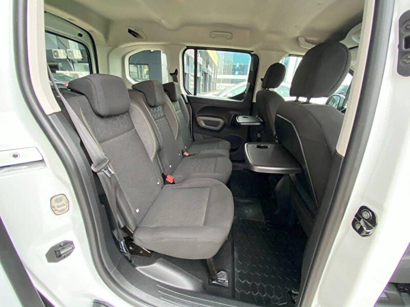 Peugeot Rifter Combi 1.5 BlueHDI Active Comfort EAT8