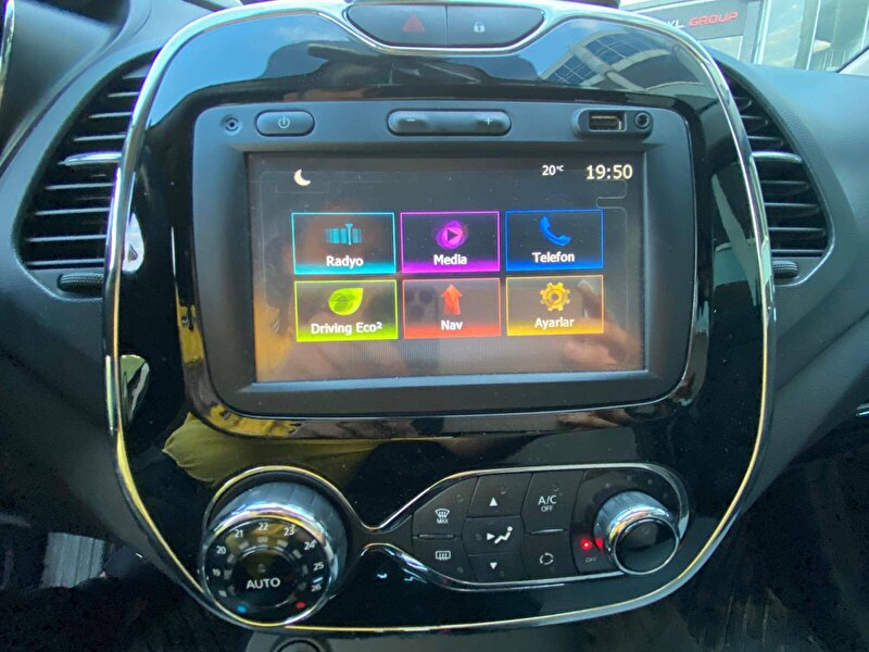 Renault Captur Crossover 1.5 DCI Icon EDC