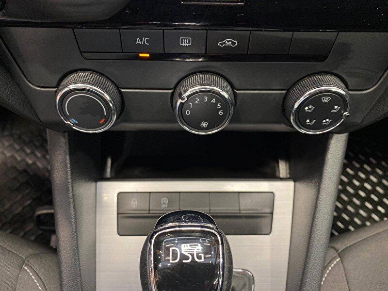 Skoda Octavia Hatchback 1.6 TDI GreenTec Optimal DSG