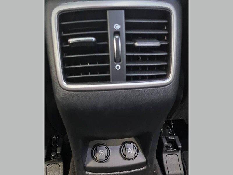 Kia Sportage SUV 1.6 CRDI 4x2 Prestige Design DCT