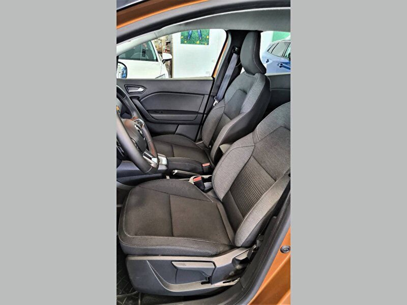 Renault Captur Crossover 1.5 DCI Touch EDC