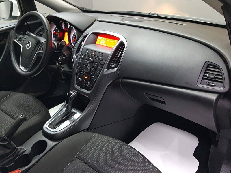 Opel Astra Sedan 1.6 CDTI Start&Stop Design Otomatik