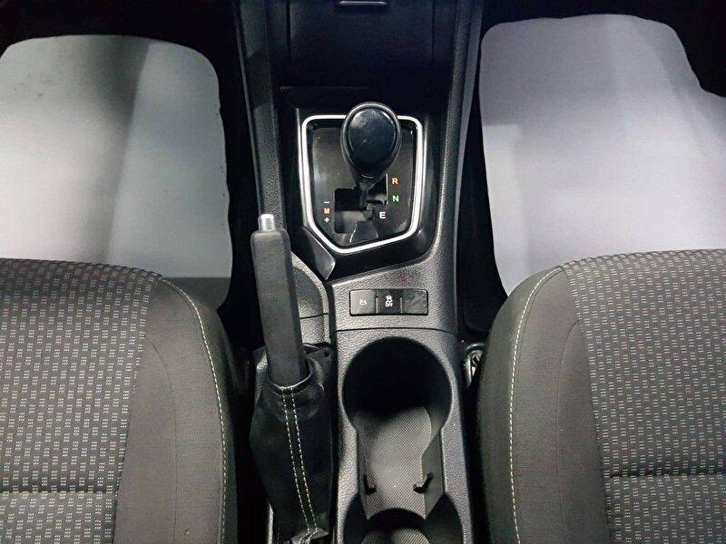 Toyota Corolla Sedan 1.4 D-4D Touch M/M