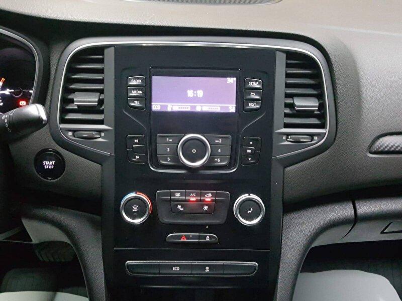 Renault Megane Sedan 1.5 DCI Touch EDC