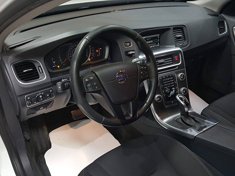 Volvo S60 Sedan 1.5 T3 Premium Geartronic