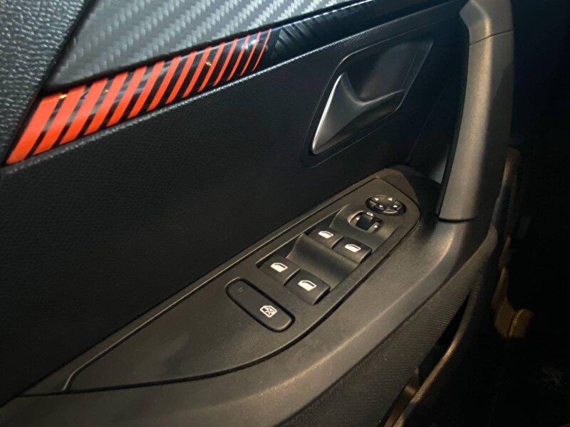 2020 Benzin Otomatik Peugeot 2008 Turuncu OTONOVA AŞ.