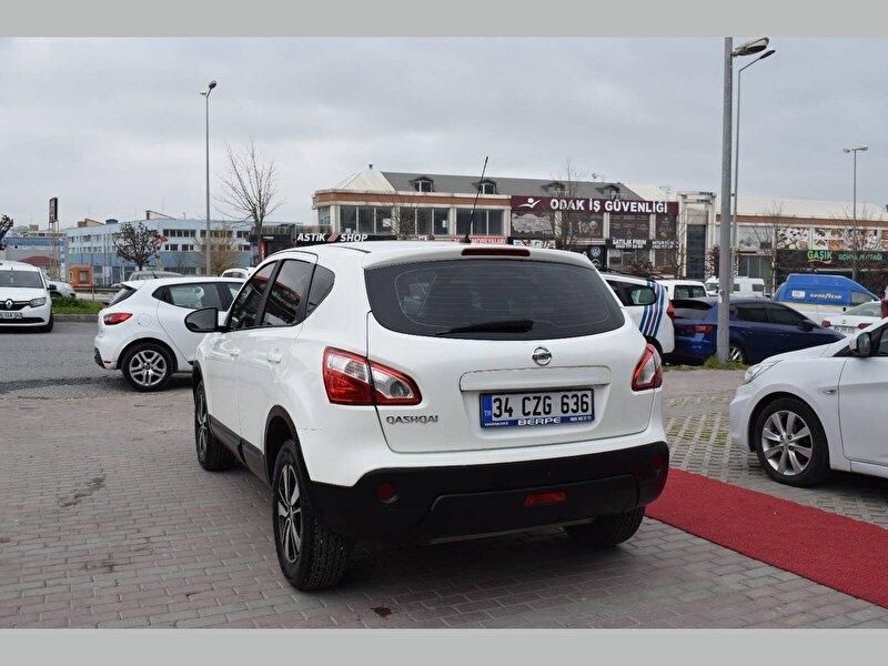 Nissan Qashqai SUV 1.6 Visia CVT