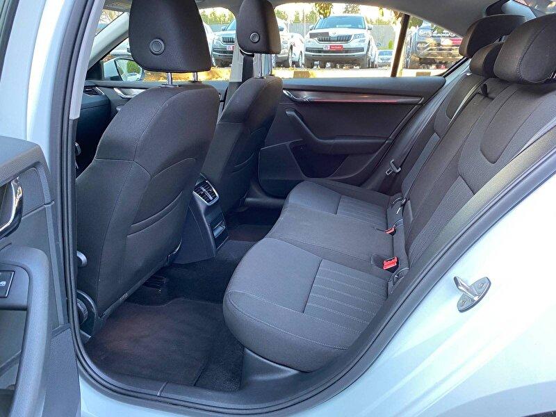 Skoda Octavia Hatchback 1.6 TDI GreenTec Style DSG