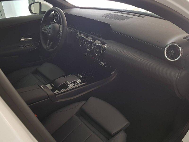 Mercedes-Benz A Sedan 180 d Style 7G-DCT