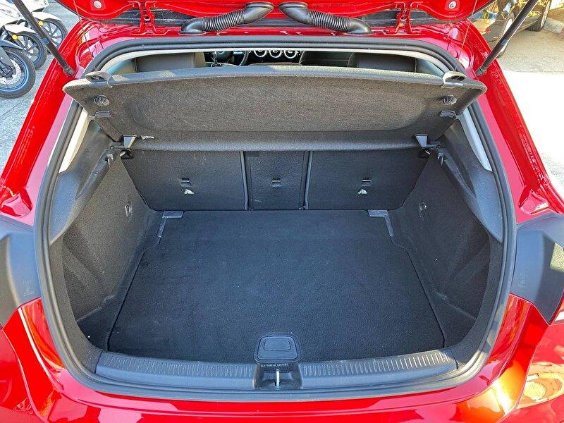 Mercedes-Benz A Hatchback 200 Style 7G-DCT