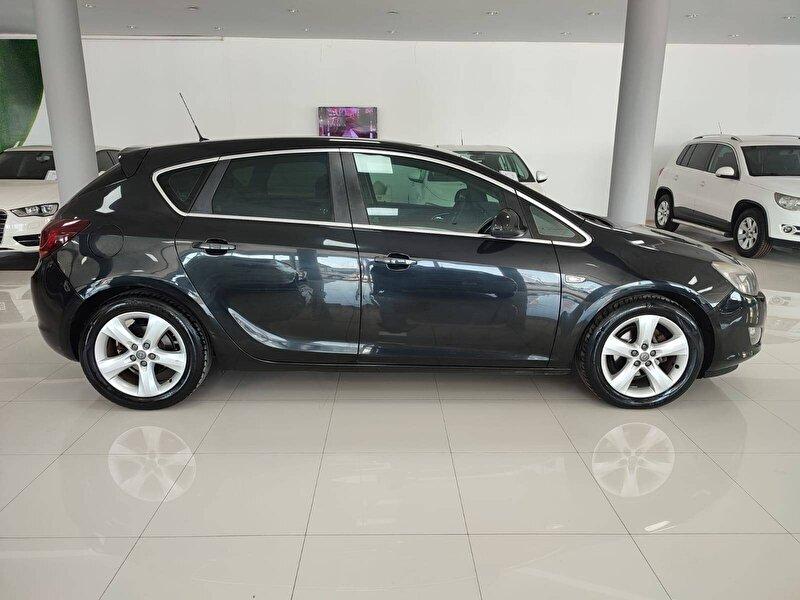 Opel Astra Hatchback 1.3 CDTI Sport