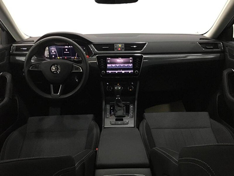 Skoda Superb Hatchback 1.5 TSI GreenTec ACT Premium DSG