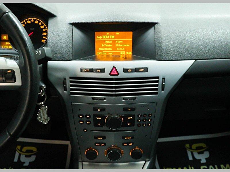 Opel Astra Sedan 1.6 Enjoy Plus Easytronic